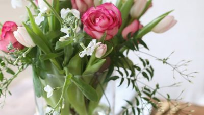 how to arrange flowers for Valentine's Day