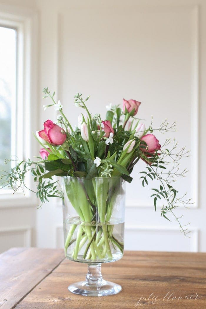 How to Arrange Valentine's Day Flowers