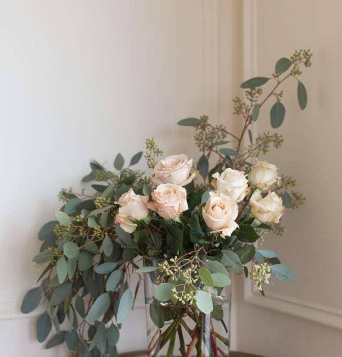 flowers made simple - easy flower arrangement for shower, centerpiece, Easter