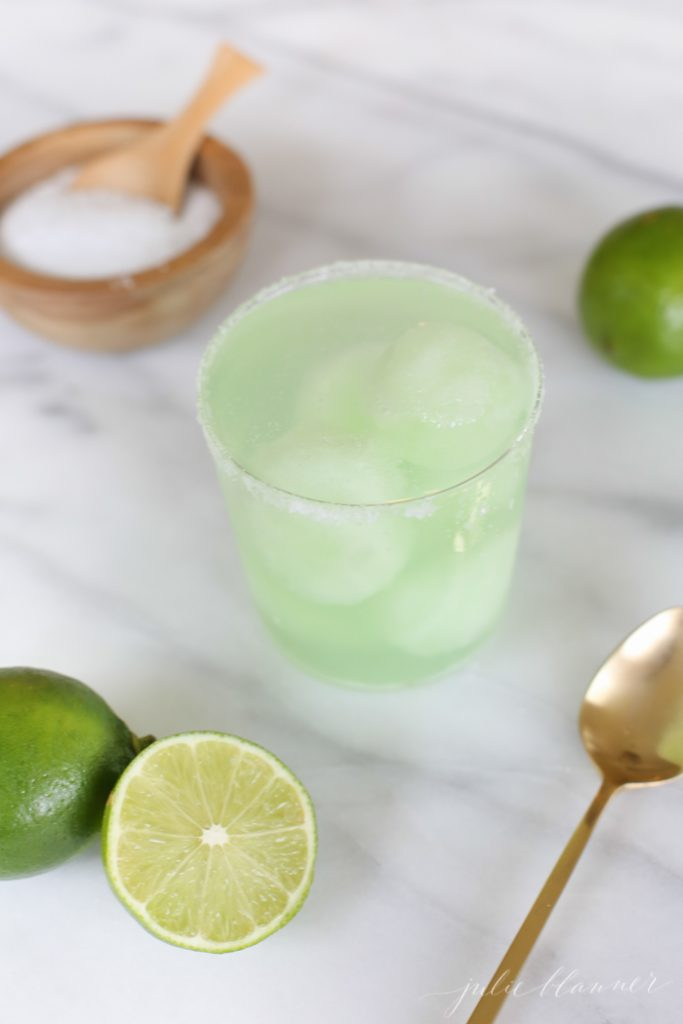 delicious and refreshing boat drink - easy margarita float