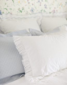 how to create a headboard using pillows