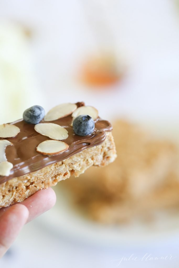 5 minute no bake granola bars with just 4 ingredients!