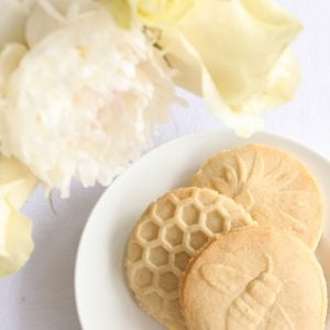 bee stamped lemon shortbread cookie recipe