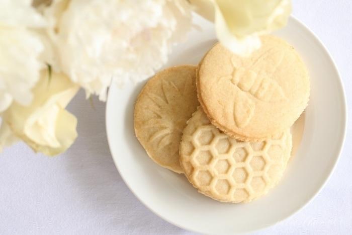 refreshing lemon shortbread cookies recipe - the perfect summer treat