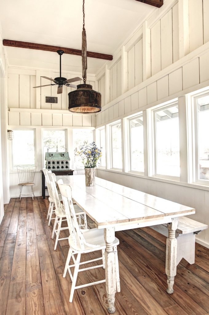 Modern farmhouse tour with easy to do ideas for Farmhouse sunroom ideas