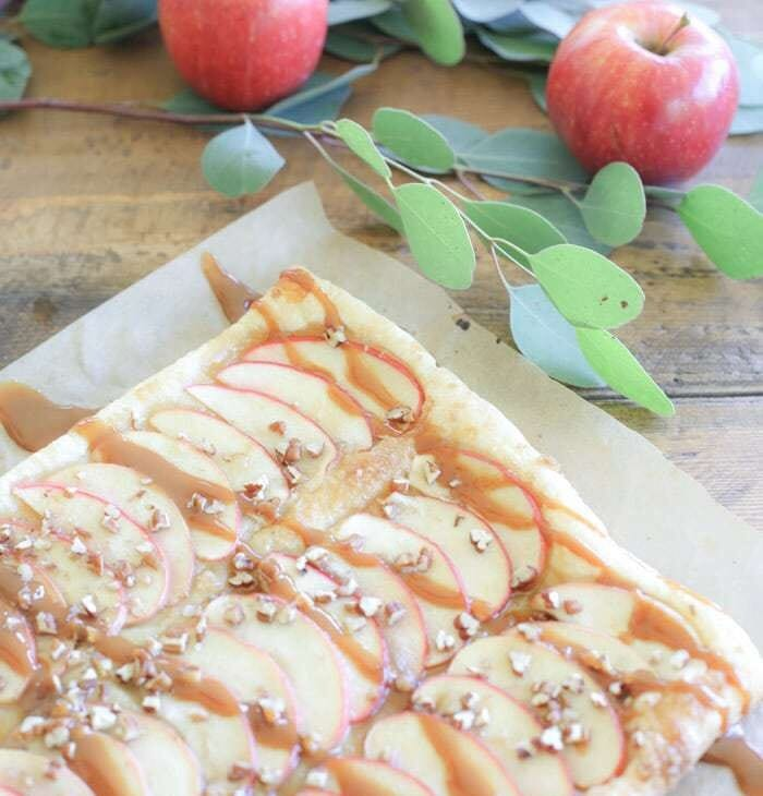 this easy caramel apple tart is always a crowd pleaser - the perfect fall dessert recipe