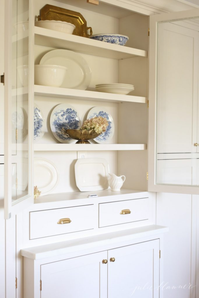 kitchen decor | decorating a hutch