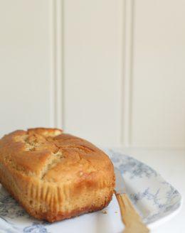 10 minute caramel cheesecake bread