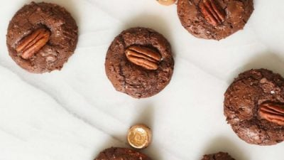 chocolate turtle cookies stuffed with caramel