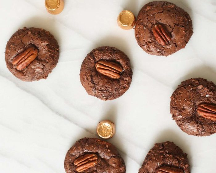 chocolate turtle cookies stuffed with caramel