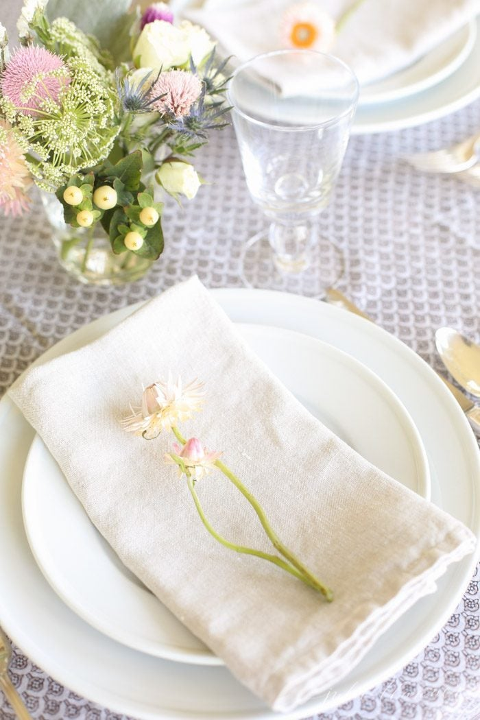 tips to set a pretty table without a lot of effort