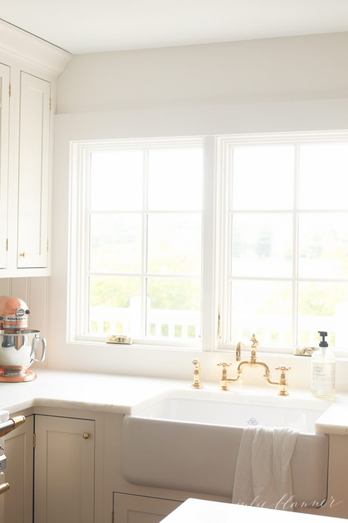 everything you need to know about an apron front farmhouse sink