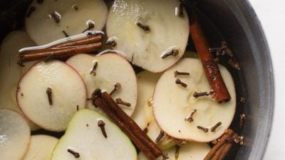 easy way to make your home smell good - stove top potpourri