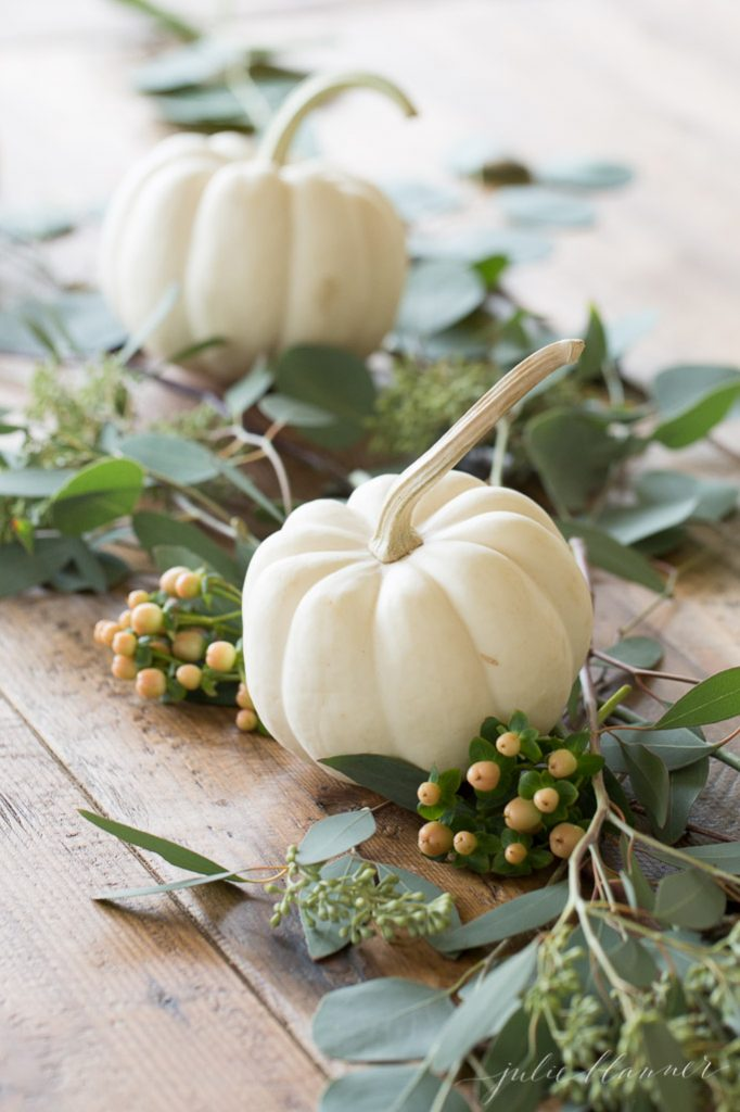 step by step tutorial for a mini pumpkin table runner