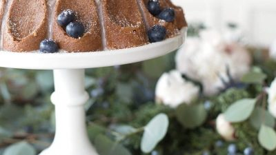 beautiful winter or Christmas dessert | cinnamon bundt cake