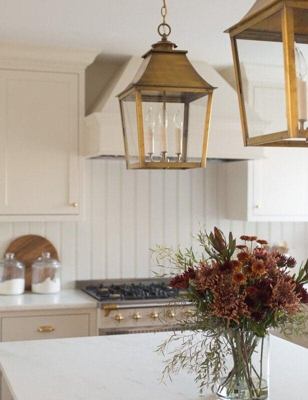 entertaining blogger Julie Blanner teaches you how to arrange a Thanksgiving centerpiece