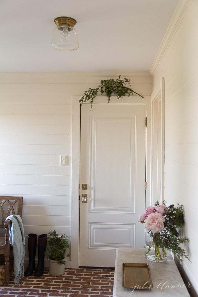 farmhouse Christmas decorating ideas that last all winter