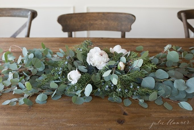 how to create a centerpiece with winter flowers