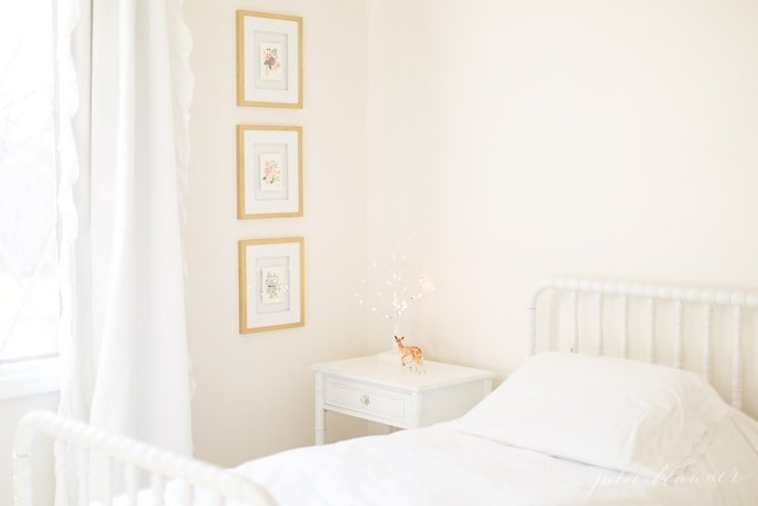 easy and inexpensive ideas to add christmas magic into kids bedrooms