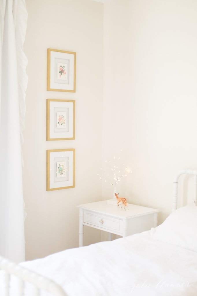 how to incorporate Christmas magic into kids bedrooms