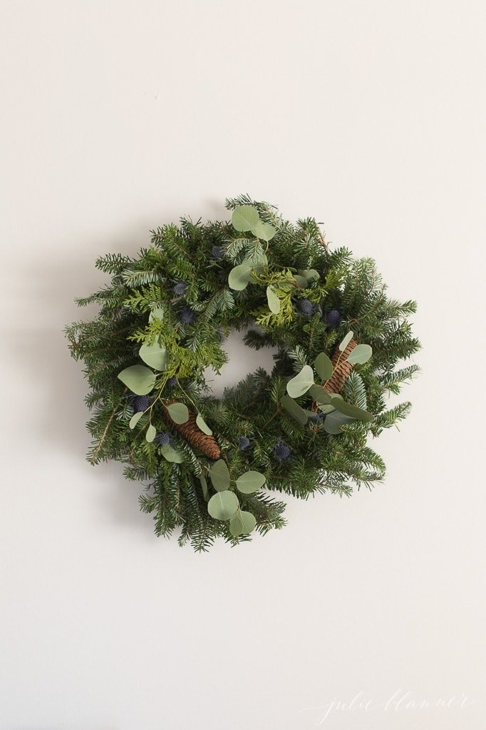 christmas wreath decorations pinecones