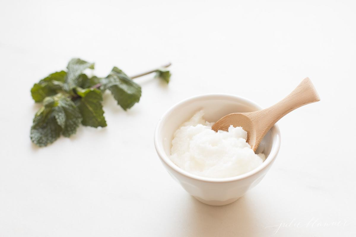 exfoliating and moisturizing mint lip scrub recipe