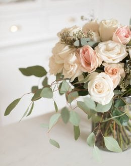 step by step tutorial with video how to arrange roses