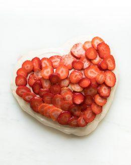 meringue valentines dessert
