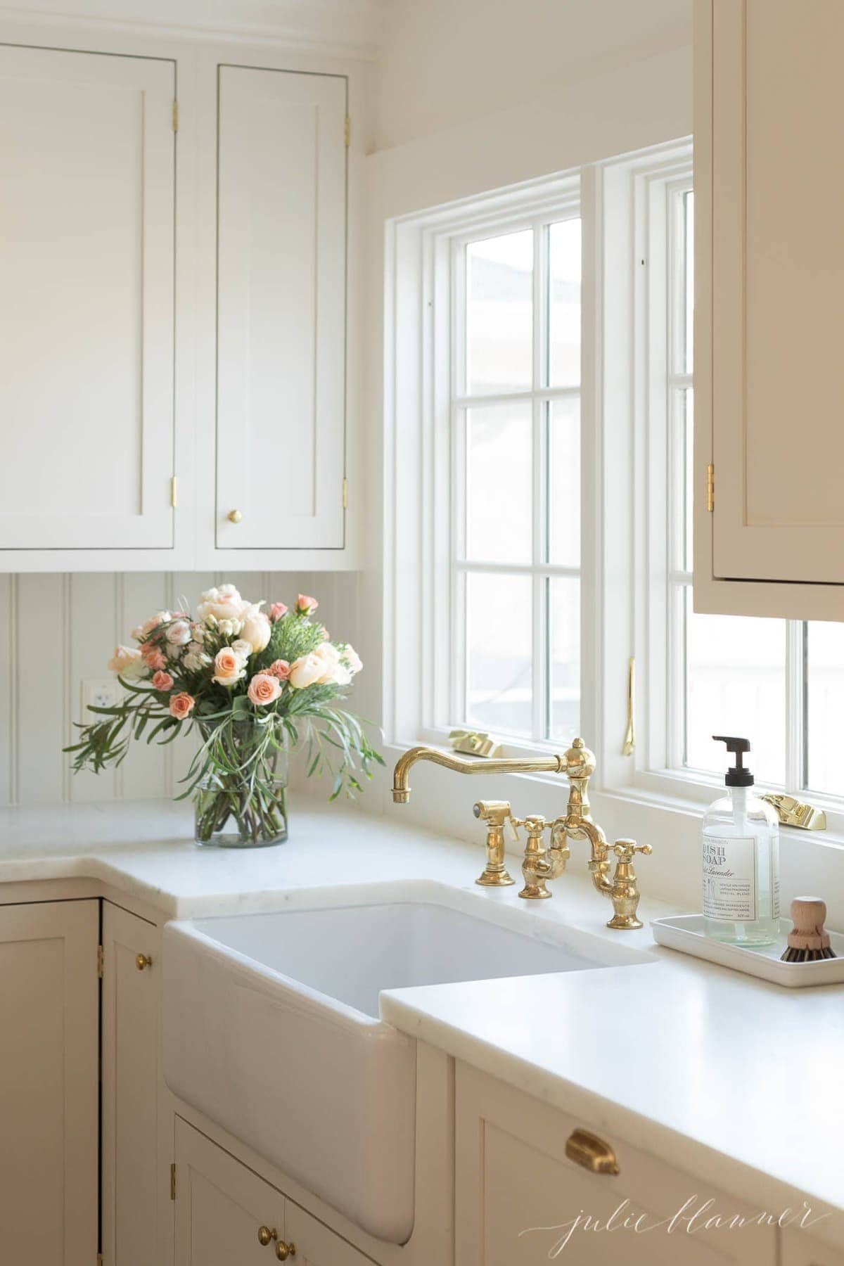 keep kitchen counters clean