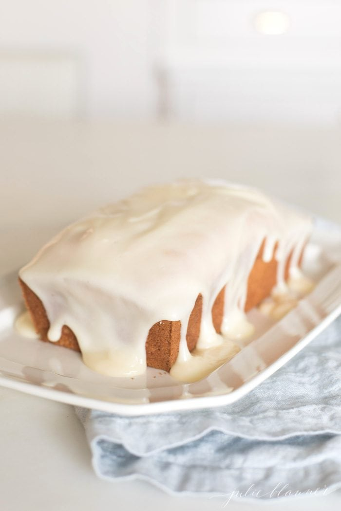 carrot bread | carrot cake in bread form with cream cheese icing