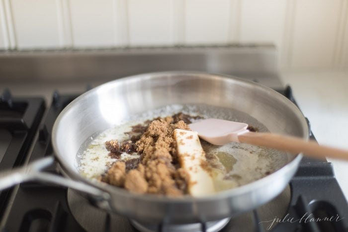 how to make saltine cracker toffee