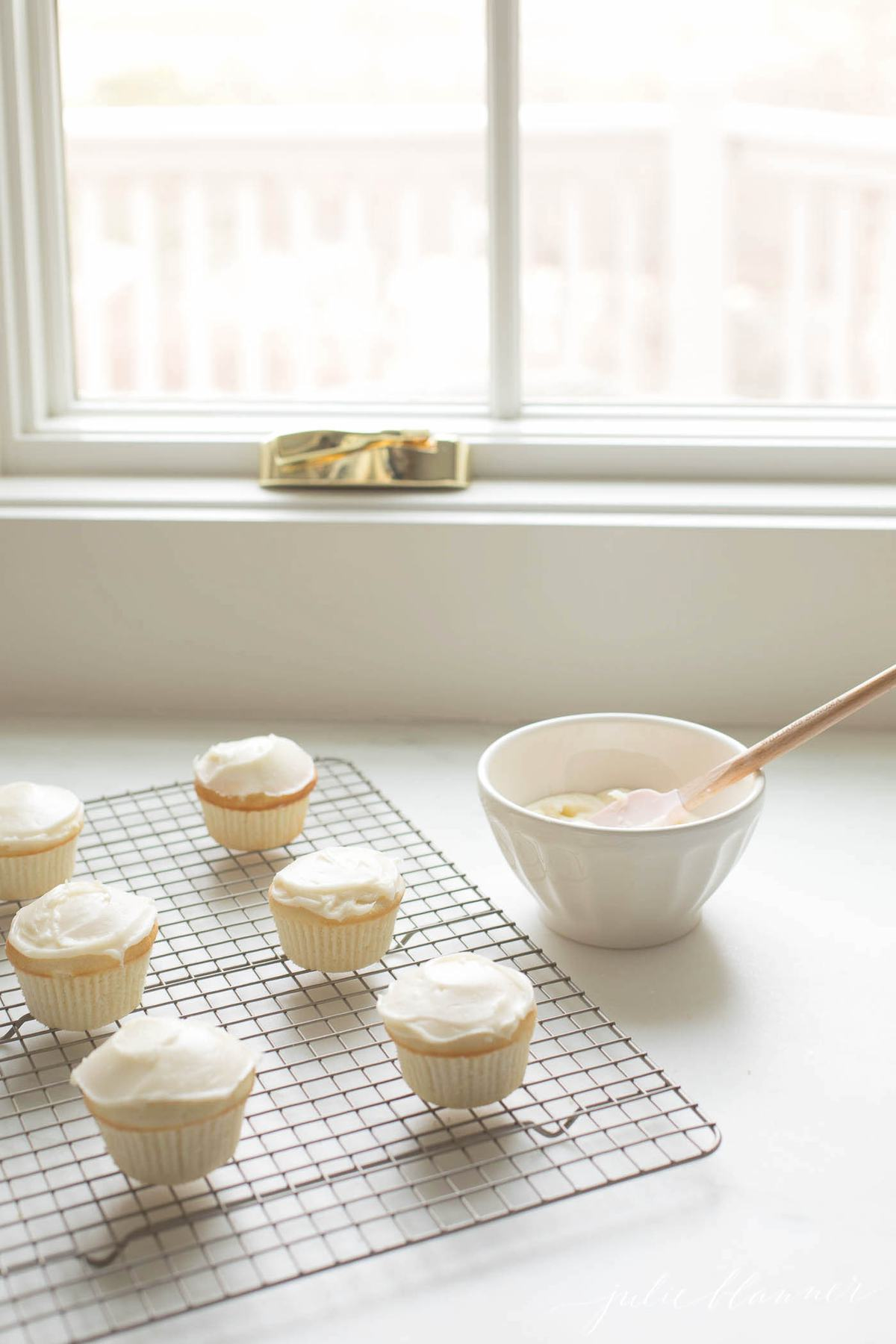 how to make easter cupcakes