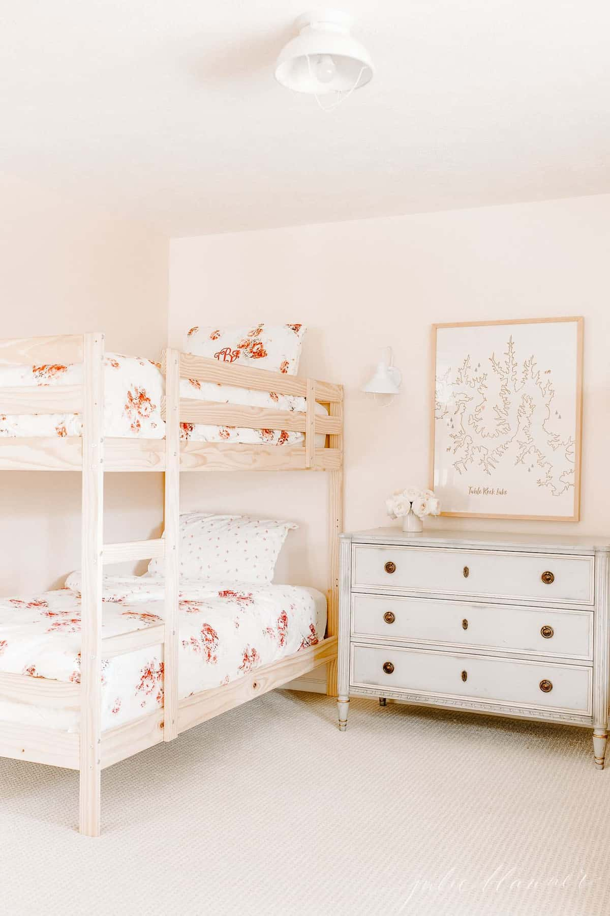 bunk beds in pink room floral bedding