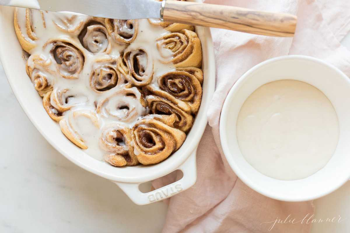 icing cinnamon rolls