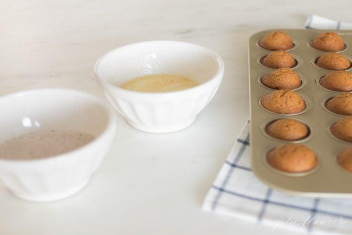 coating pumpkin muffins