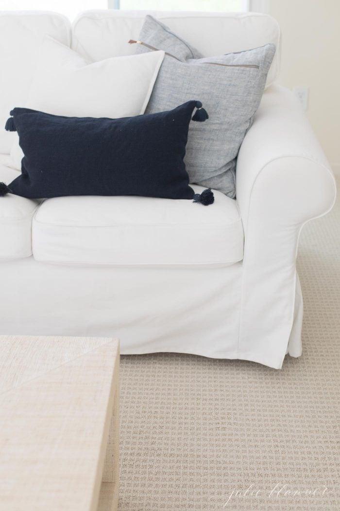 neutral patterned carpet