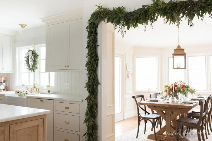 christmas kitchen and breakfast nook