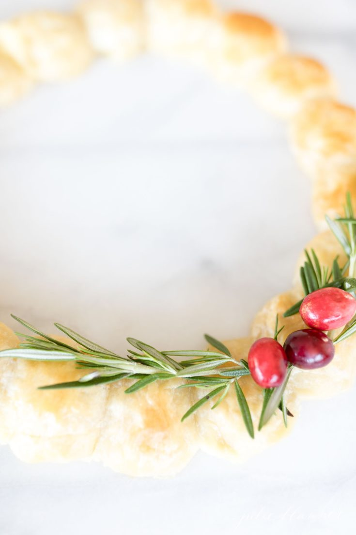 Brie Wreath Christmas Appetizer