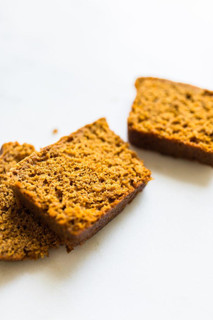 slice of gingerbread loaf