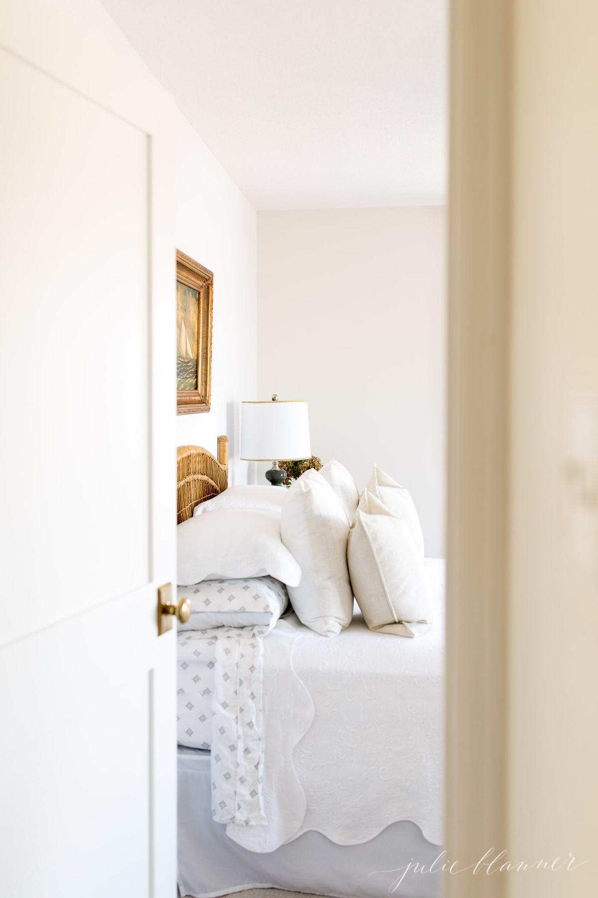 small hallway doors to bedroom