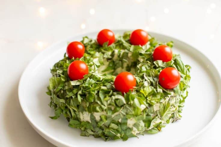 Pesto Cheeseball Wreath | Festive Pesto Cheese Appetizer