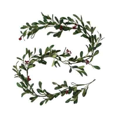simple garland with red berries